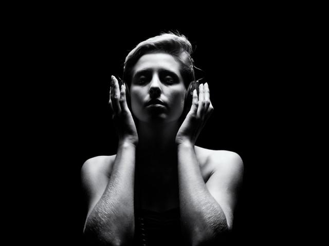 經典耳罩式耳機